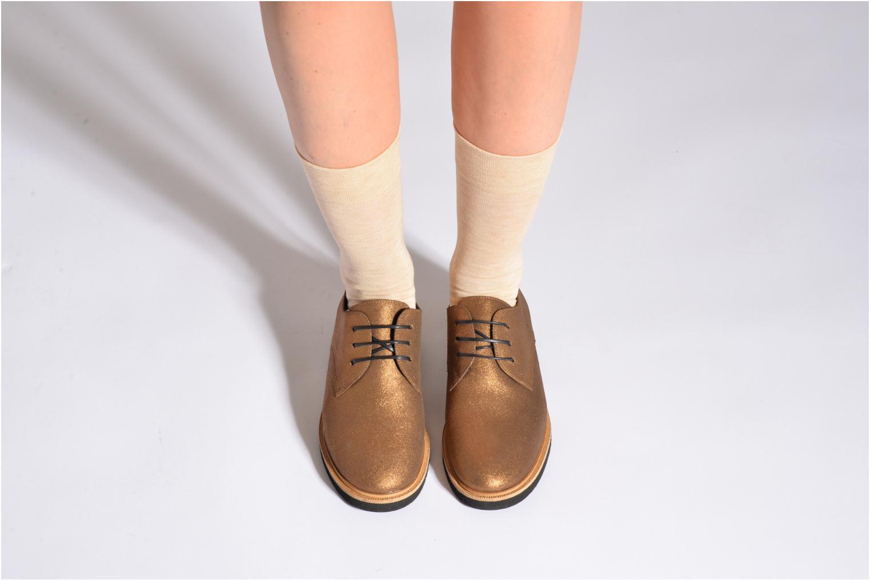 Chaussettes et collants Falke Chaussettes SENSITIVE Beige vue portées chaussures