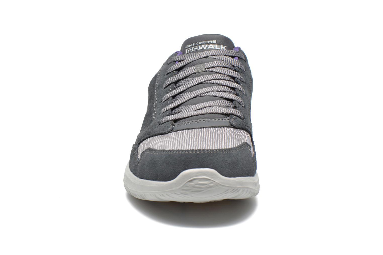 Baskets Skechers GO Walk City Champion 13827 Gris vue portées chaussures