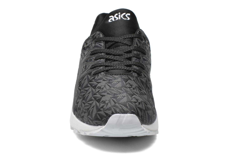 Baskets Asics Gel-Kayano Trainer Evo W Noir vue portées chaussures