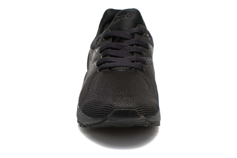 Baskets Asics Gel-Kayano Trainer Evo Noir vue portées chaussures