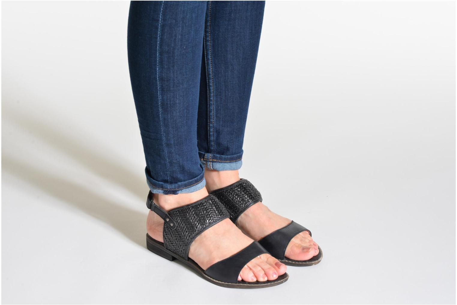 Sandals Madison Rubane Black view from underneath / model view