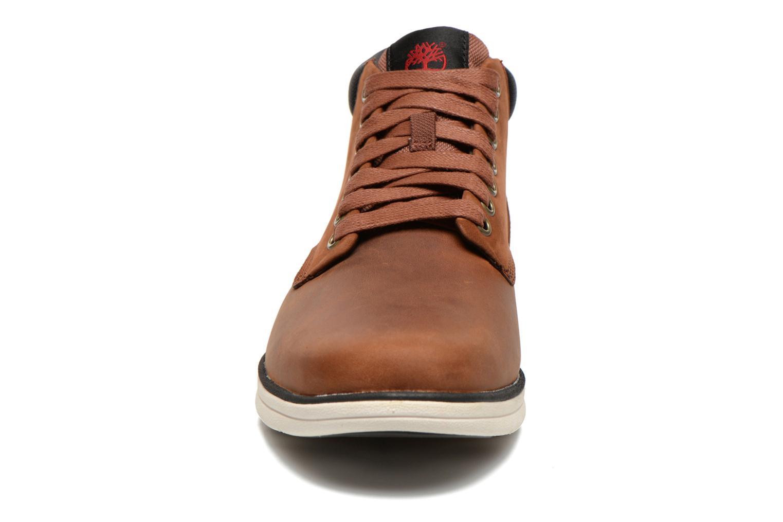 Baskets Timberland Bradstreet Chukka Leather Marron vue portées chaussures