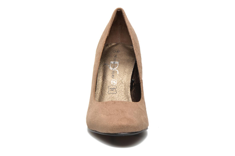 Escarpins Divine Factory Biche Marron vue portées chaussures