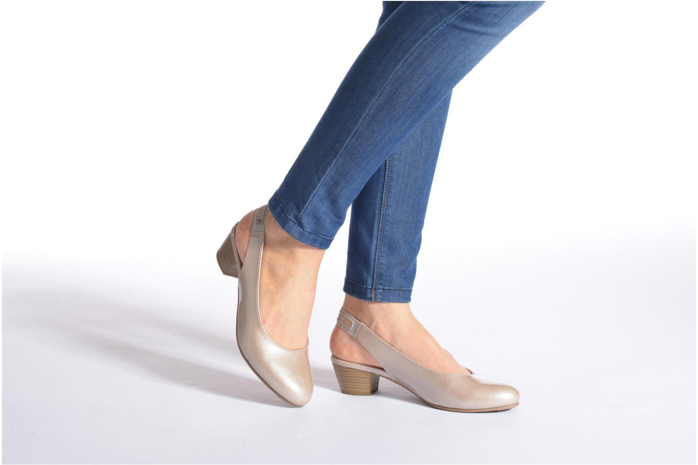 Escarpins Jana shoes Orina Beige vue bas / vue portée sac