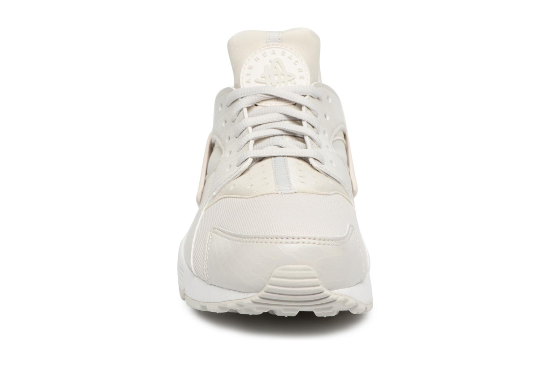 Sneakers Nike Wmns Air Huarache Run Vit bild av skorna på