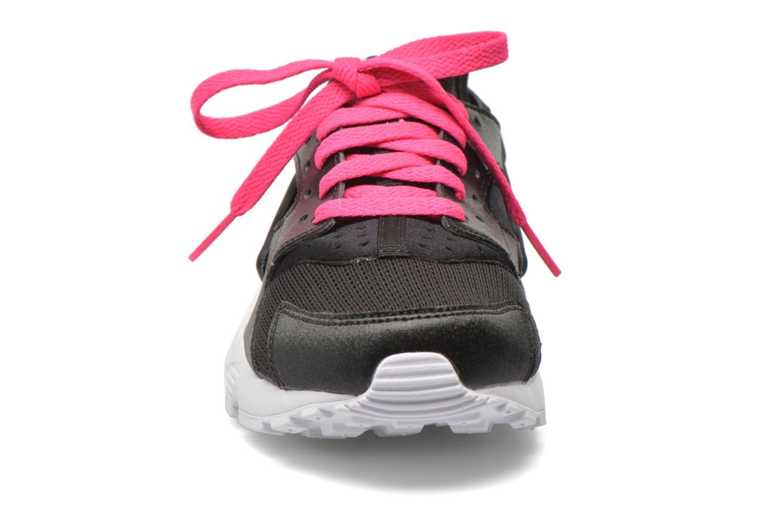 Baskets Nike Nike Huarache Run (Gs) Noir vue portées chaussures