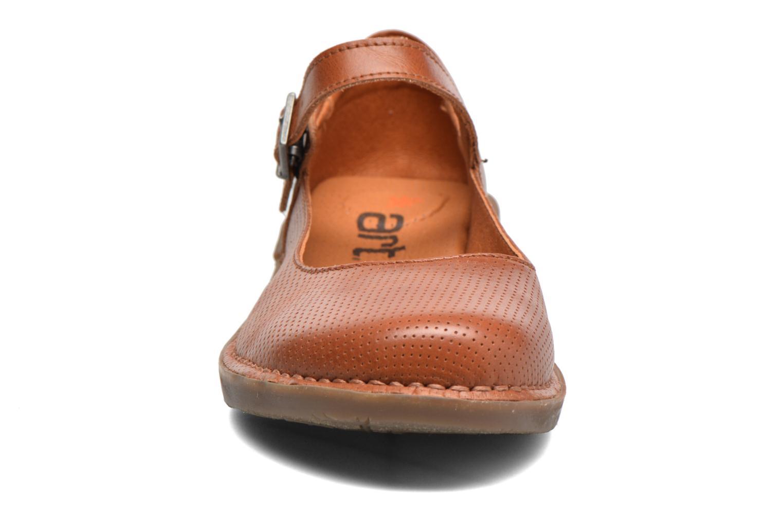 Ballerines Art Bergen 921 Marron vue portées chaussures