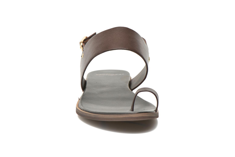 Sandales et nu-pieds Vagabond Shoemakers NATALIA 4108-201 Marron vue portées chaussures