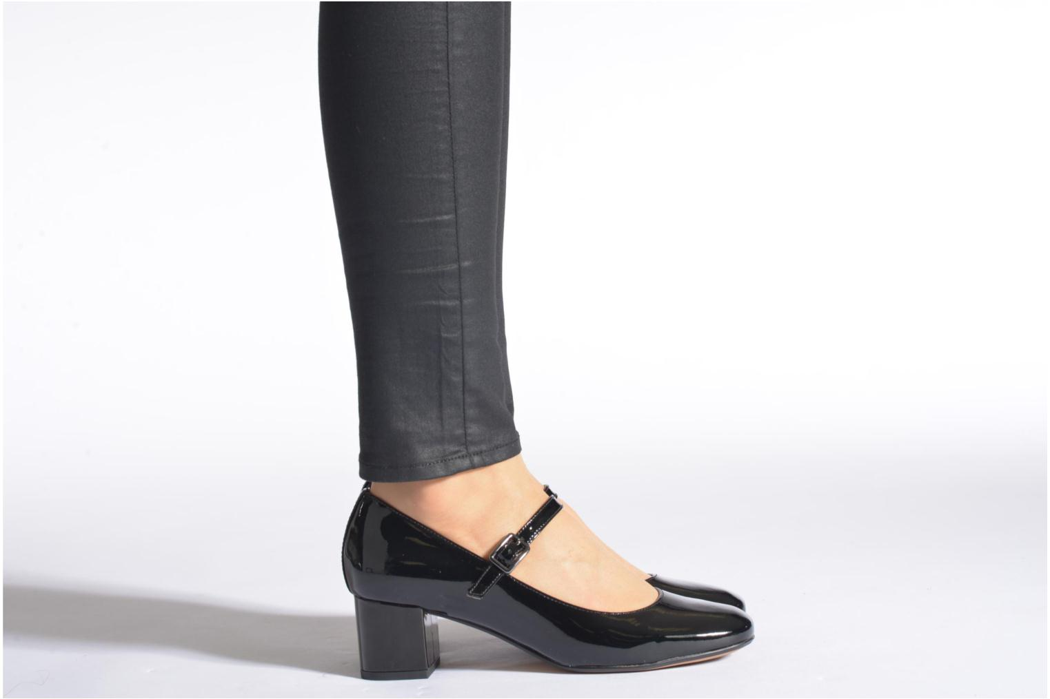 Chinaberry Pop Black Patent