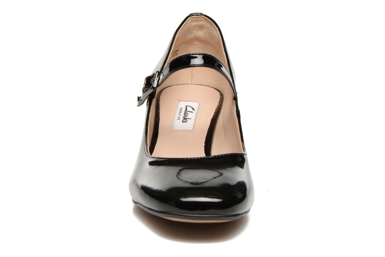 Høje hæle Clarks Chinaberry Pop Sort se skoene på