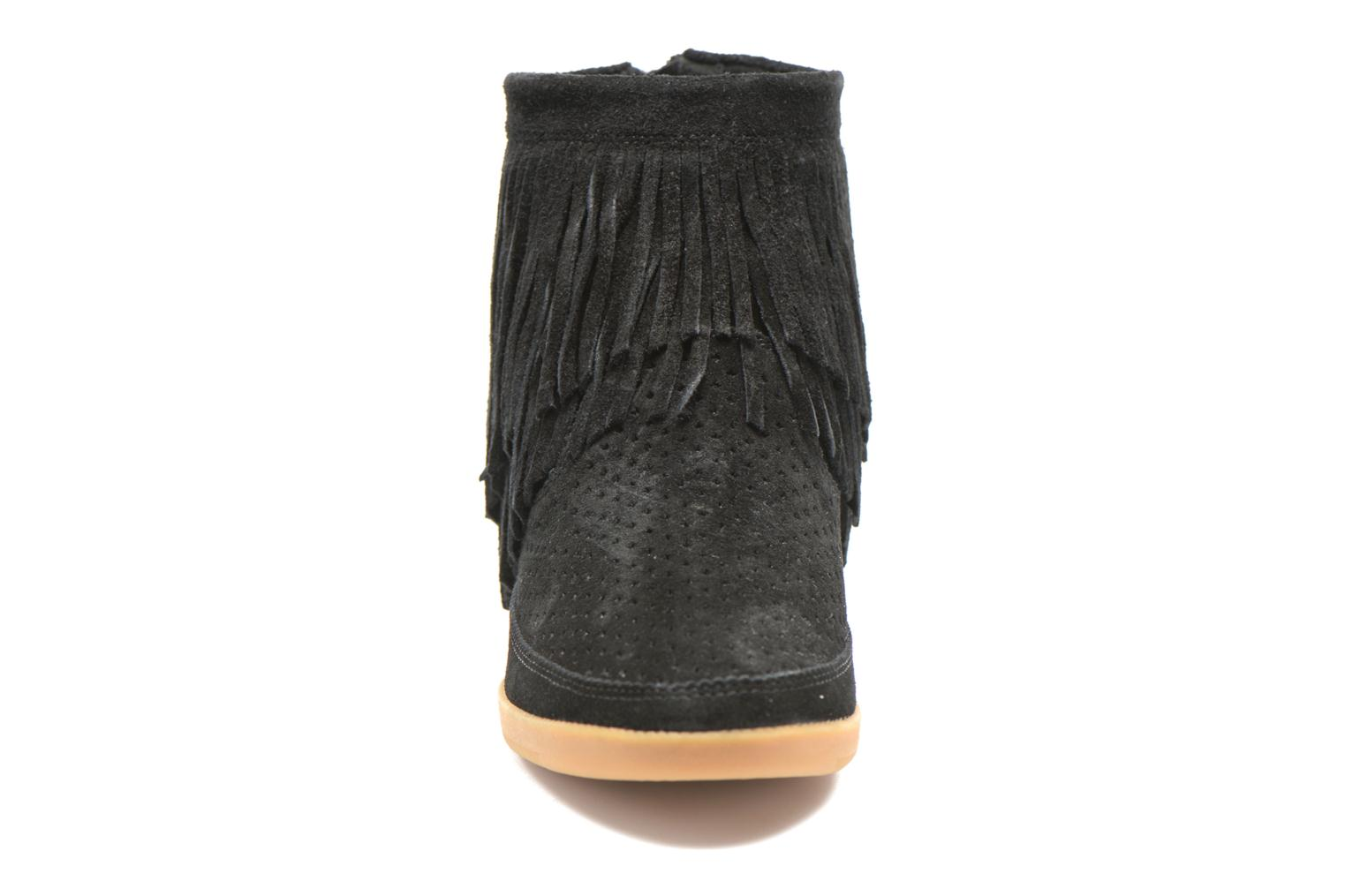 Ankle boots Shoe the bear Emmy Fringes Black model view