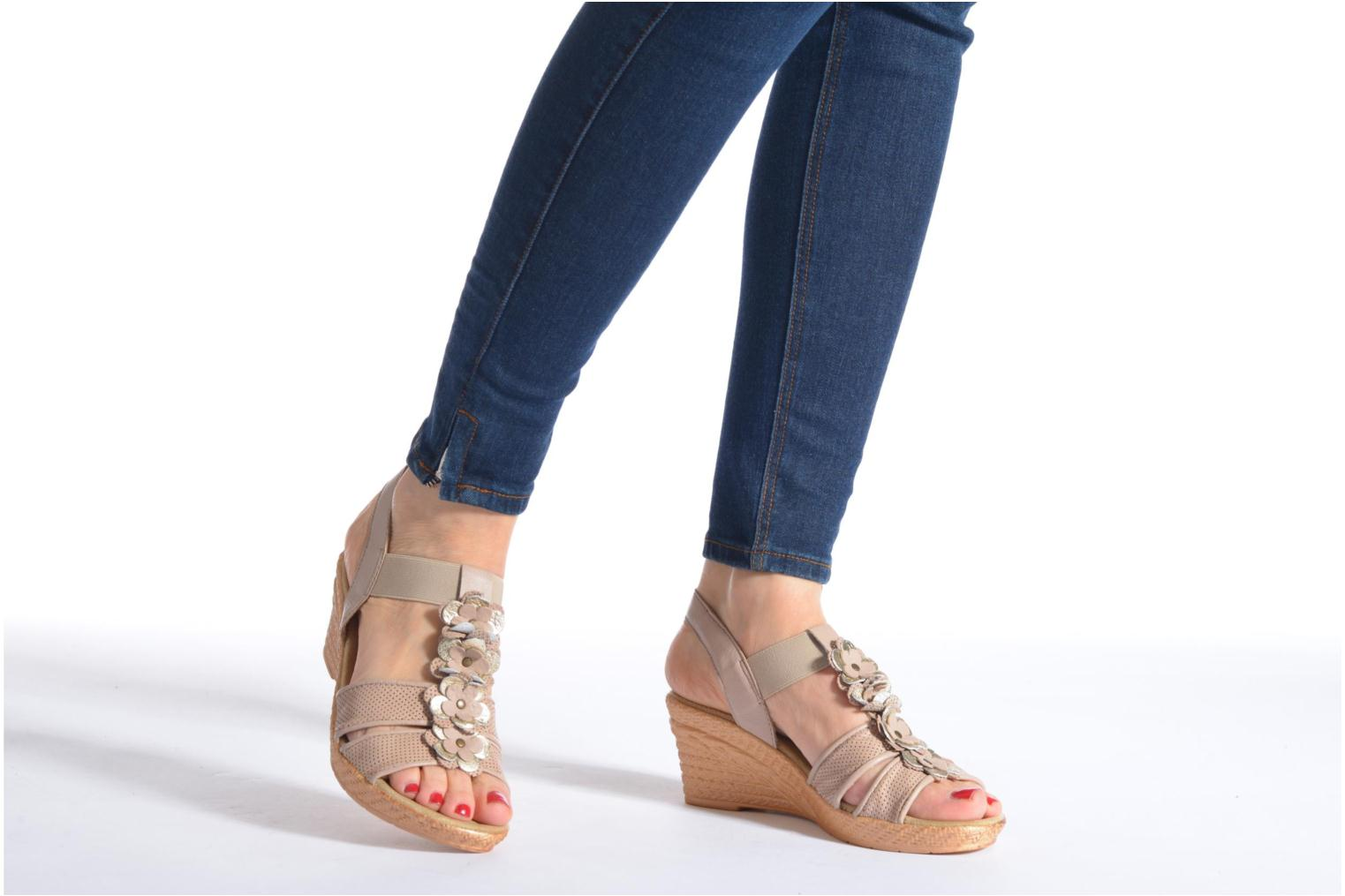 Sandals Jana shoes Morana Beige view from underneath / model view