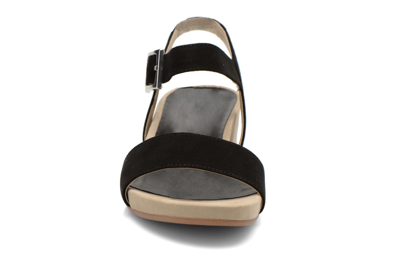 Sandales et nu-pieds Unisa Brujas Noir vue portées chaussures