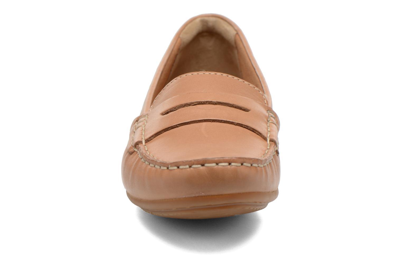 Mocassins Clarks Doraville Nest Marron vue portées chaussures