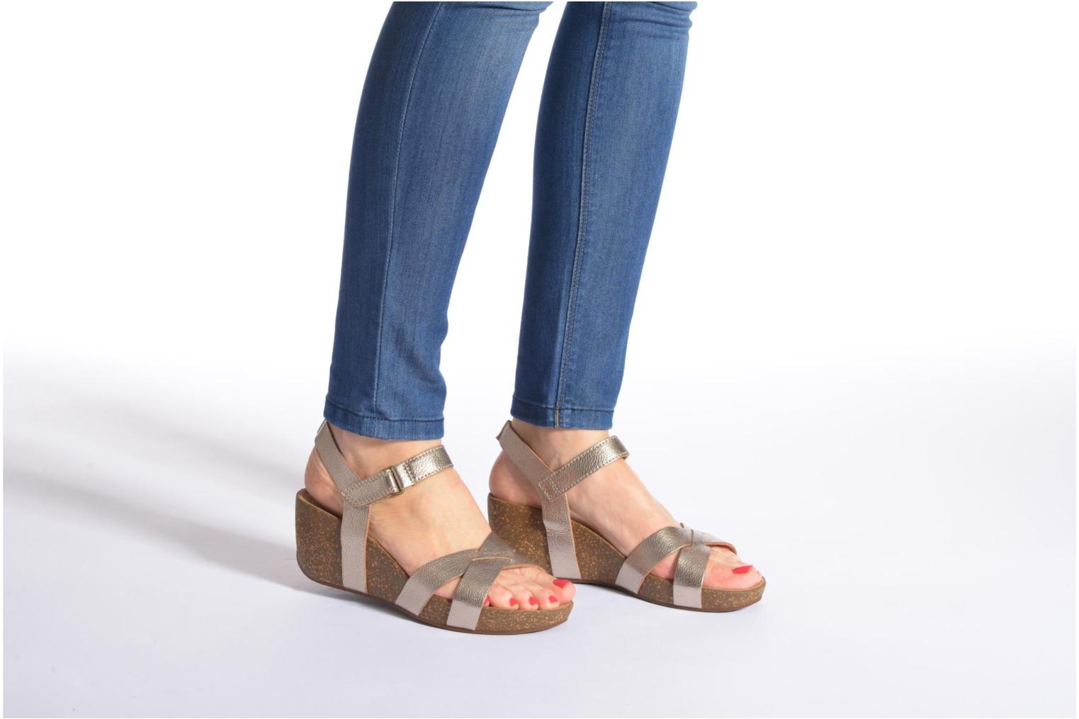 Sandals Clarks Temira Compass Bronze and Gold view from underneath / model view