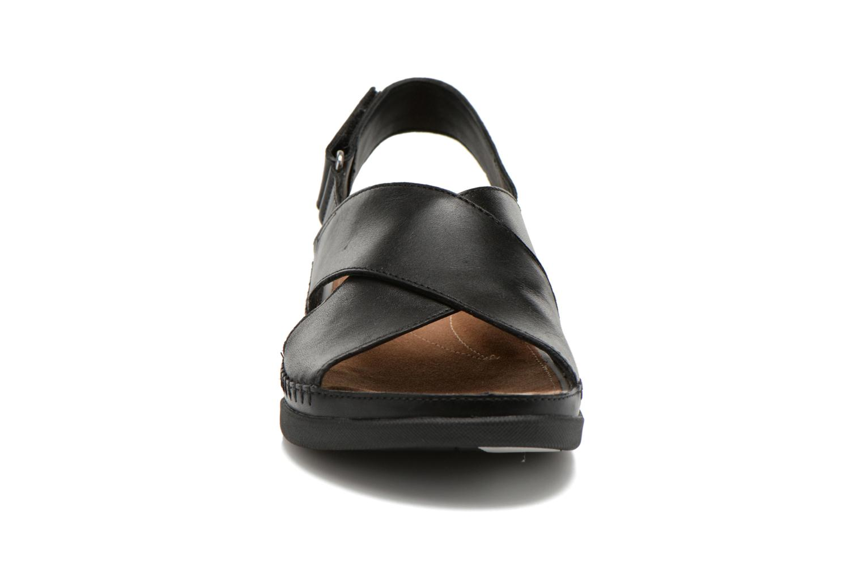 Sandales et nu-pieds Clarks Tri Alexia Noir vue portées chaussures