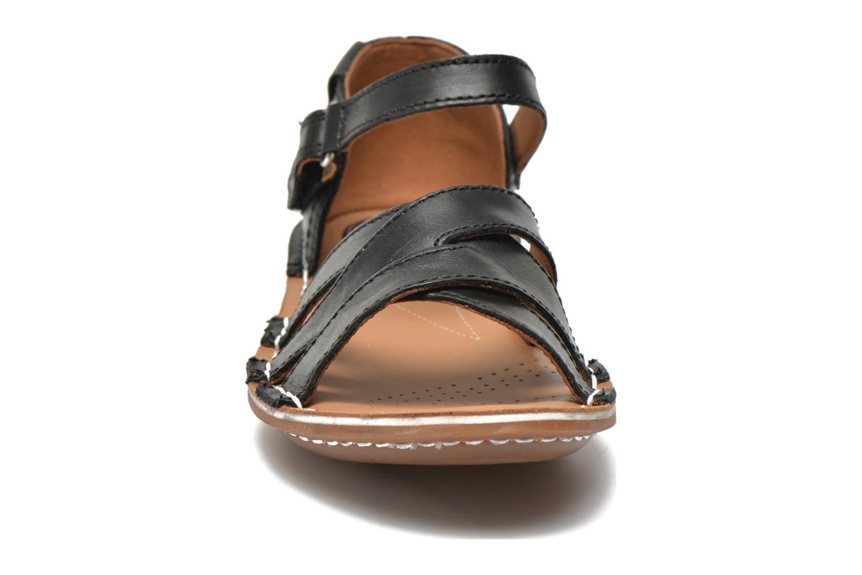 Sandales et nu-pieds Clarks Tustin Sahara Noir vue portées chaussures