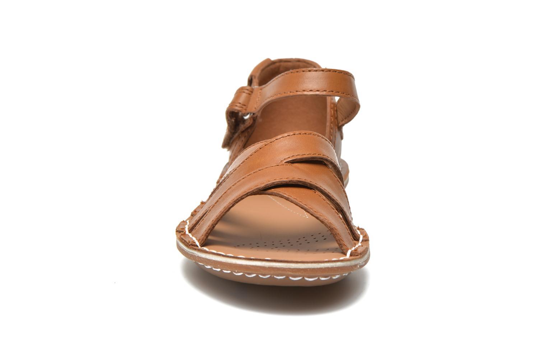 Sandalen Clarks Tustin Sahara braun schuhe getragen
