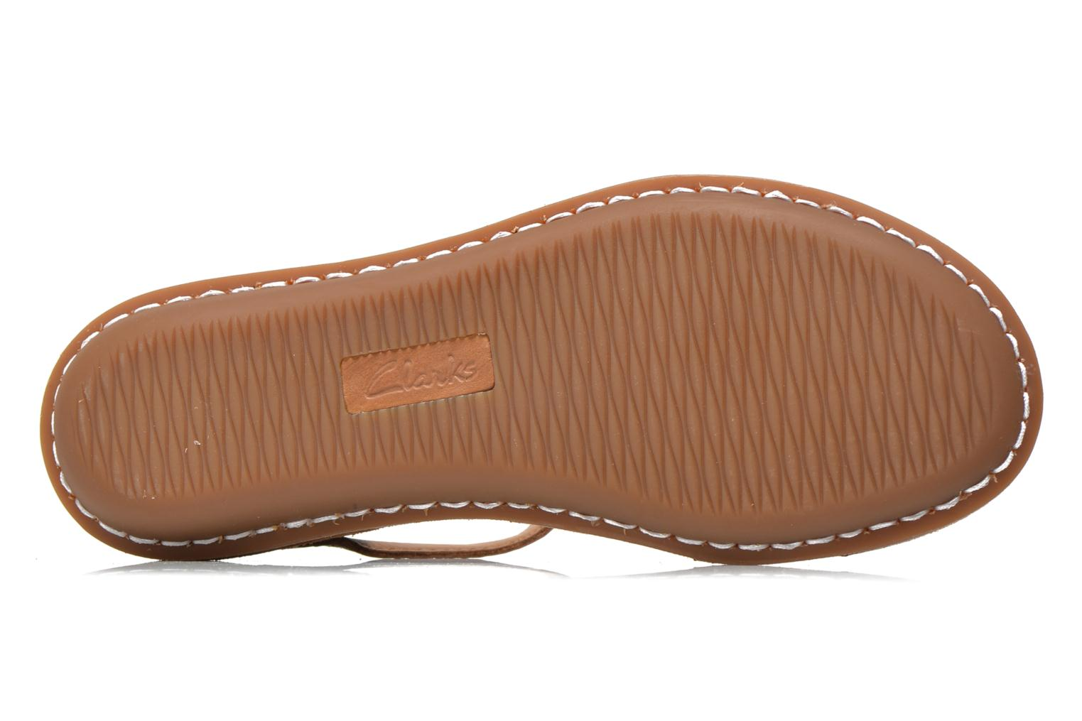 Sandals Clarks Tustin Sahara Brown view from above