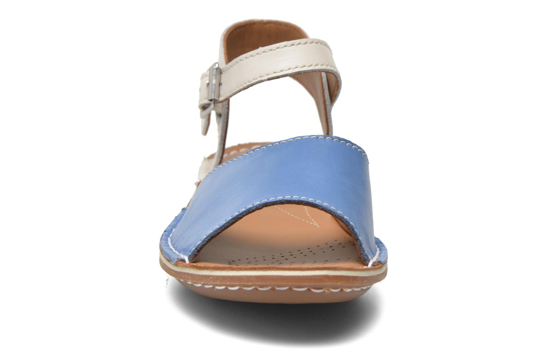 Sandales et nu-pieds Clarks Tustin Sinitta Bleu vue portées chaussures