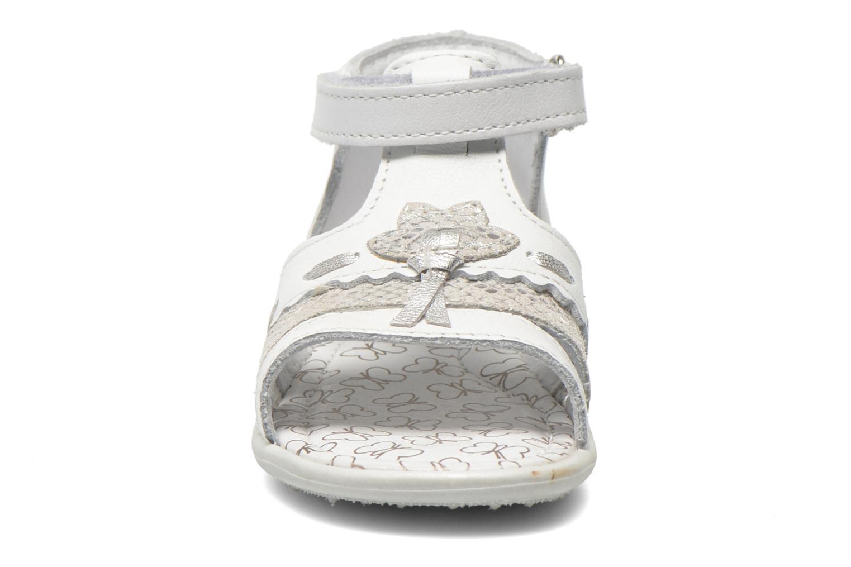 Sandales et nu-pieds Bopy Balivel Blanc vue portées chaussures