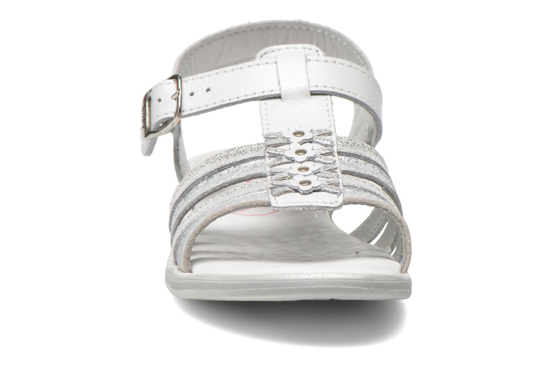 Sandales et nu-pieds Bopy Elodine Blanc vue portées chaussures