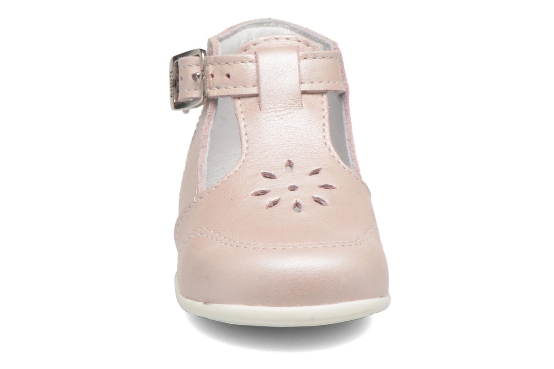 Bottines d'été Bopy Poumbo Rose vue portées chaussures
