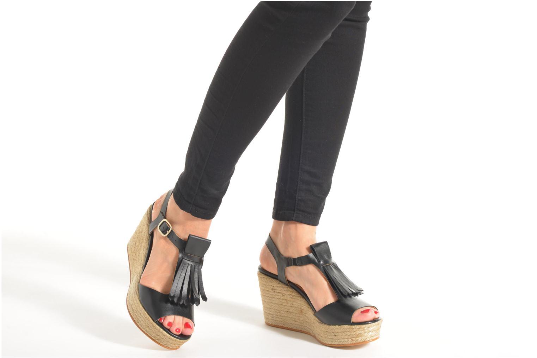 Sandalen Made by SARENZA Discow Girl #1 schwarz ansicht von unten / tasche getragen