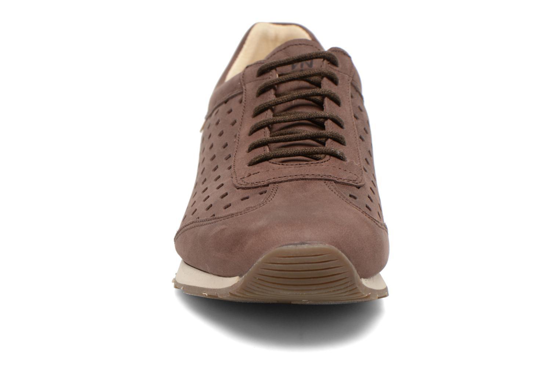 Baskets El Naturalista Walky ND98 Marron vue portées chaussures
