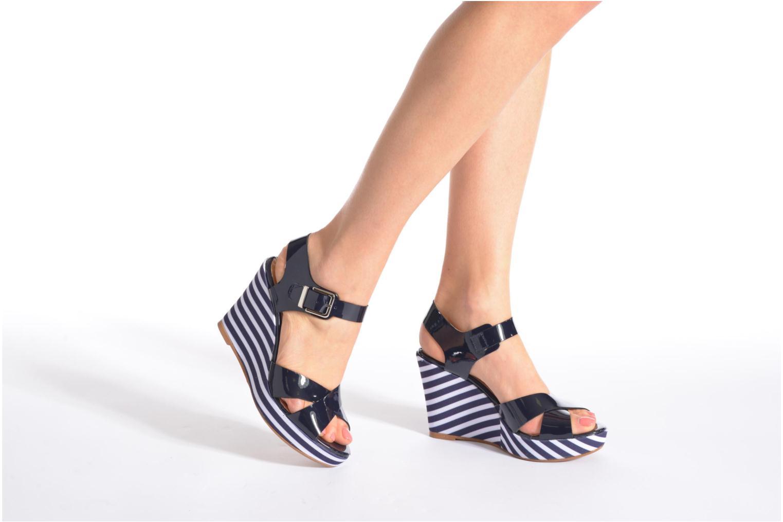 Sandalen Made by SARENZA Menthe Hello #15 blau ansicht von unten / tasche getragen