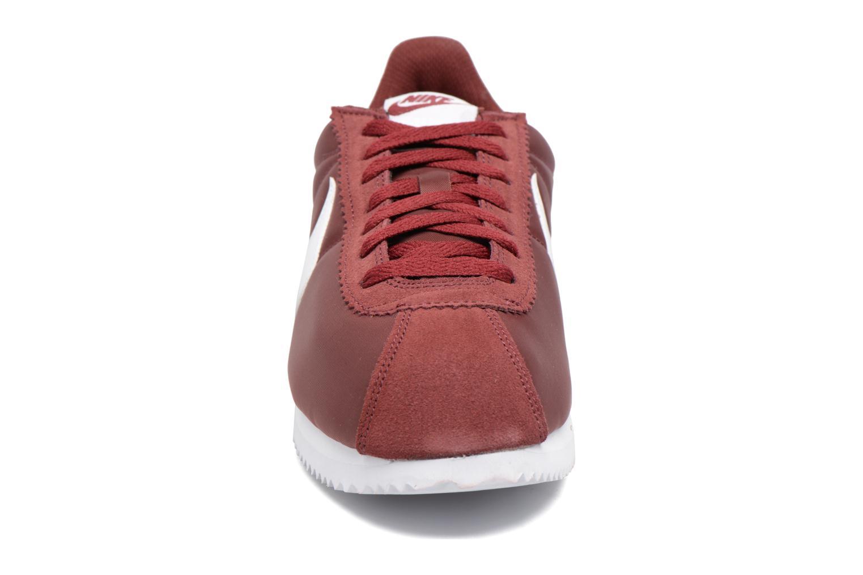 Baskets Nike Classic Cortez Nylon Bordeaux vue portées chaussures