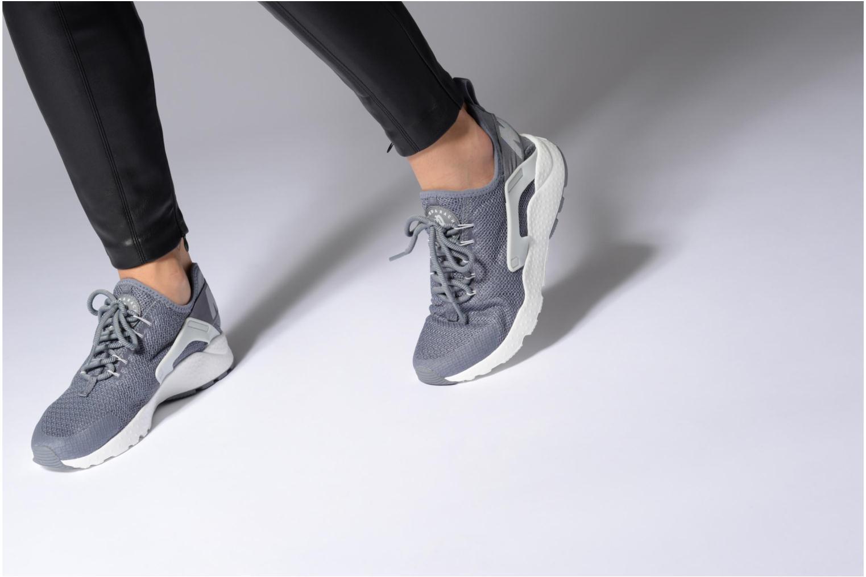 Baskets Nike W Air Huarache Run Ultra Rouge vue bas / vue portée sac