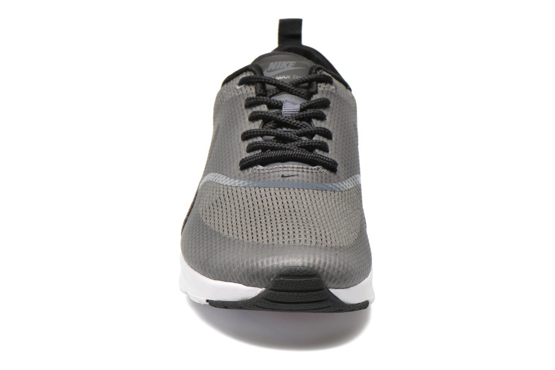 Baskets Nike W Nike Air Max Thea Txt Gris vue portées chaussures