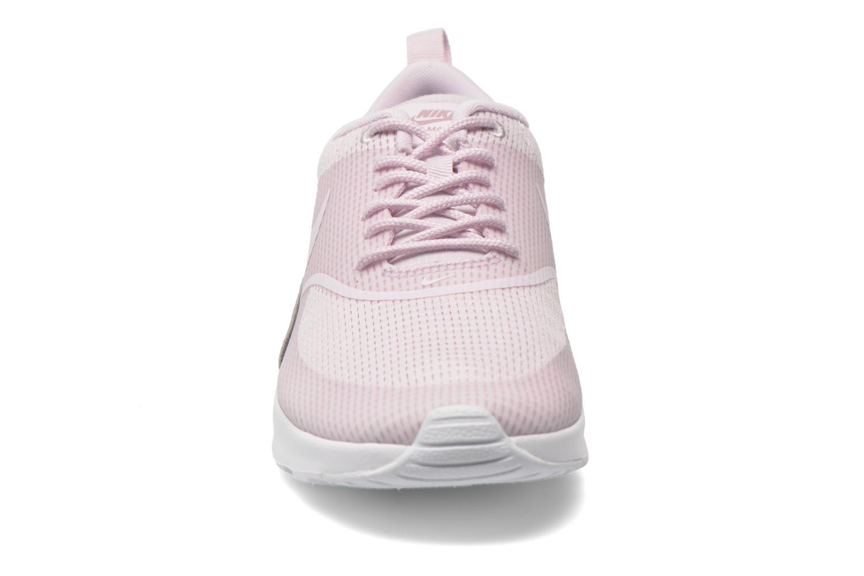 Baskets Nike W Nike Air Max Thea Txt Rose vue portées chaussures
