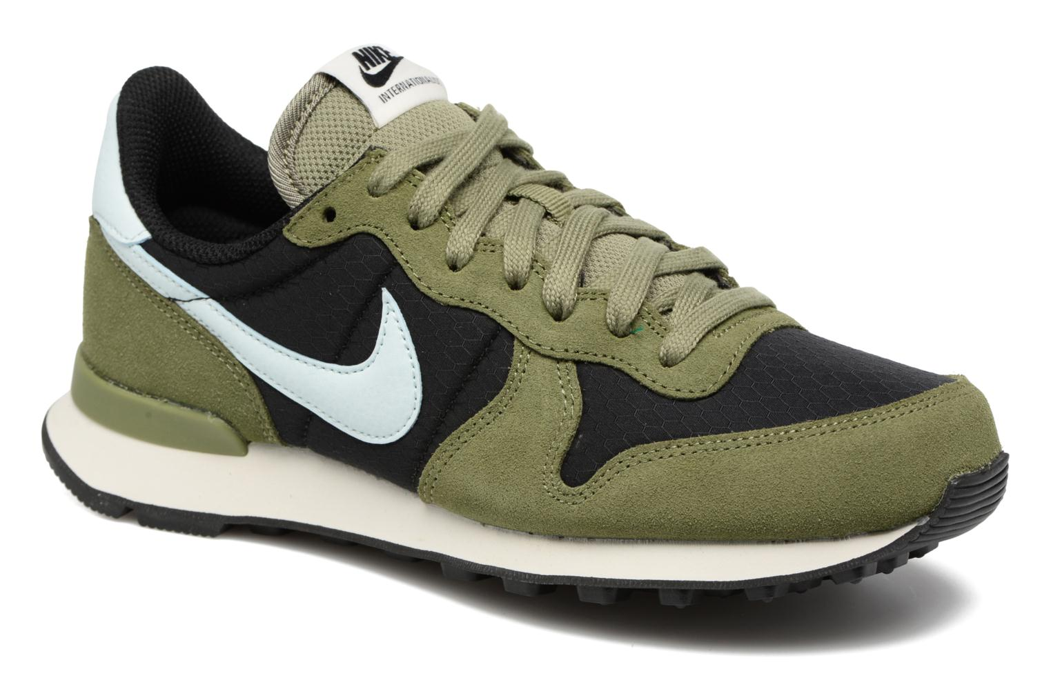 Trainers Nike Wmns Internationalist Green detailed view/ Pair view