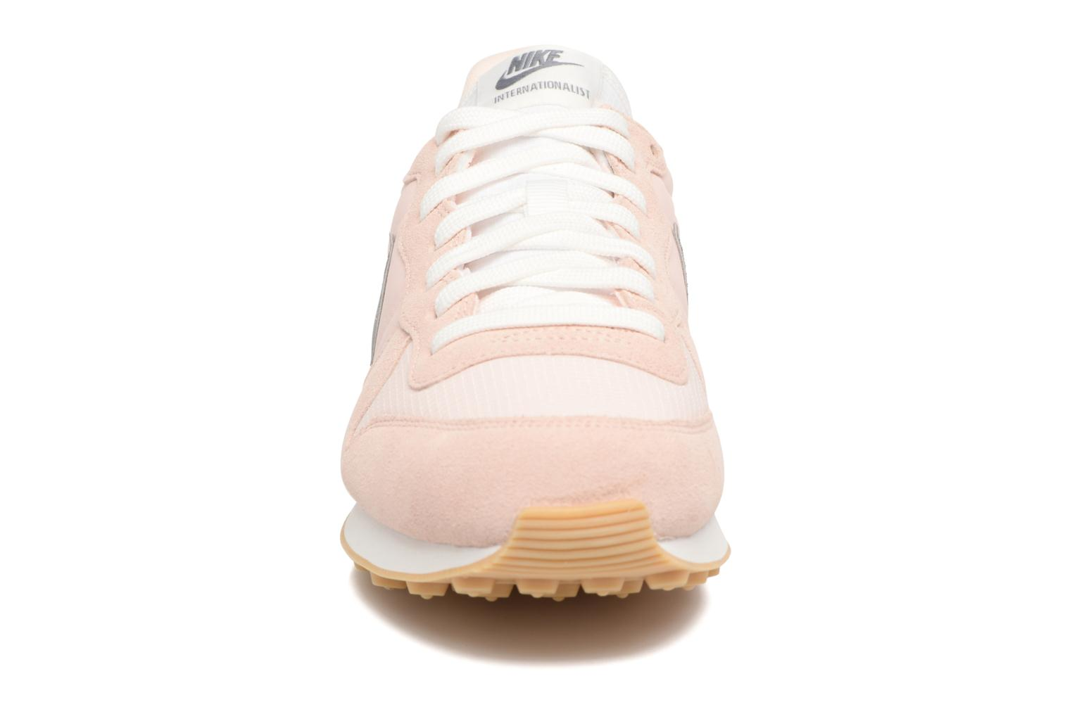 Wmns Internationalist SUNSET TINT/COOL GREY-SUMMIT WHITE