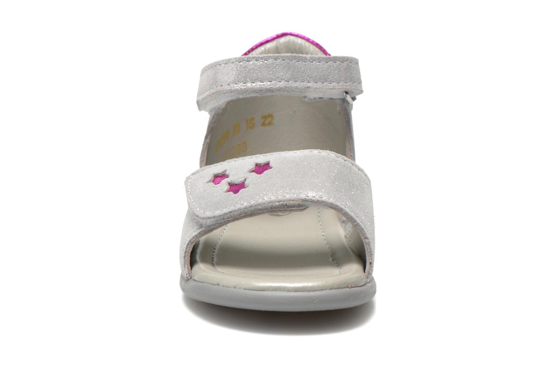 Sandales et nu-pieds Mod8 Garance Argent vue portées chaussures