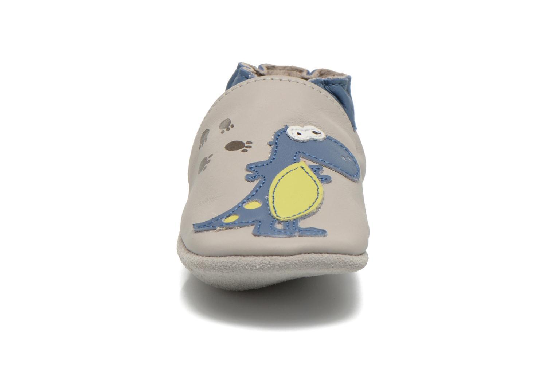Chaussons Robeez Dinos Club Gris vue portées chaussures