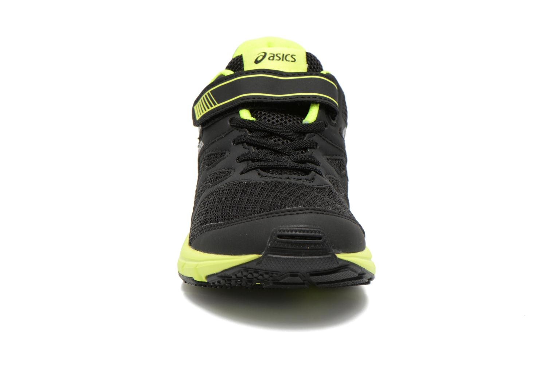 Chaussures de sport Asics Gel-Zaraca Ps Noir vue portées chaussures