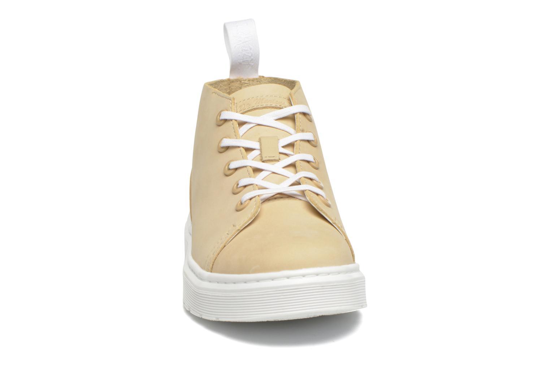 Baskets Dr. Martens Baynes Chukka AA25 M Beige vue portées chaussures