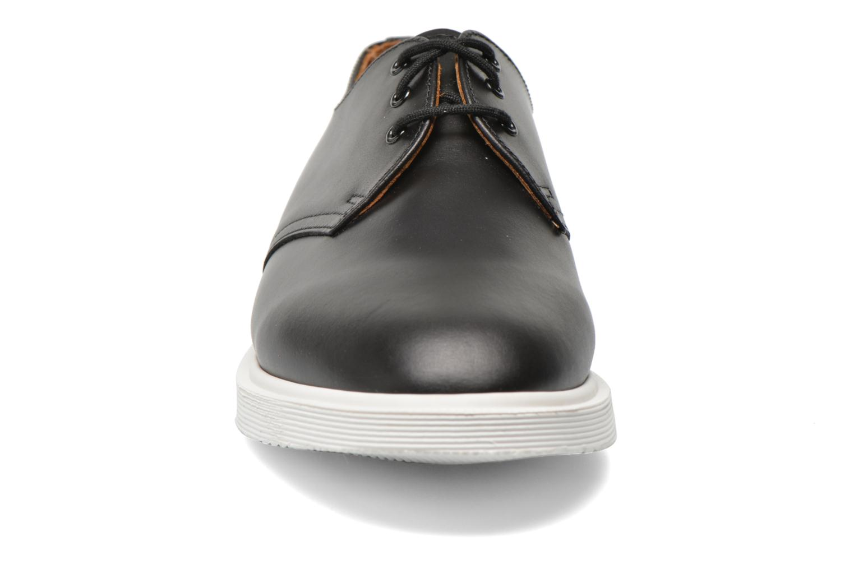 Chaussures à lacets Dr. Martens Torriano AA48 Noir vue portées chaussures