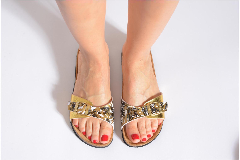 Clogs & Pantoletten Desigual SHOES_BIO 3 C4 gold/bronze ansicht von unten / tasche getragen
