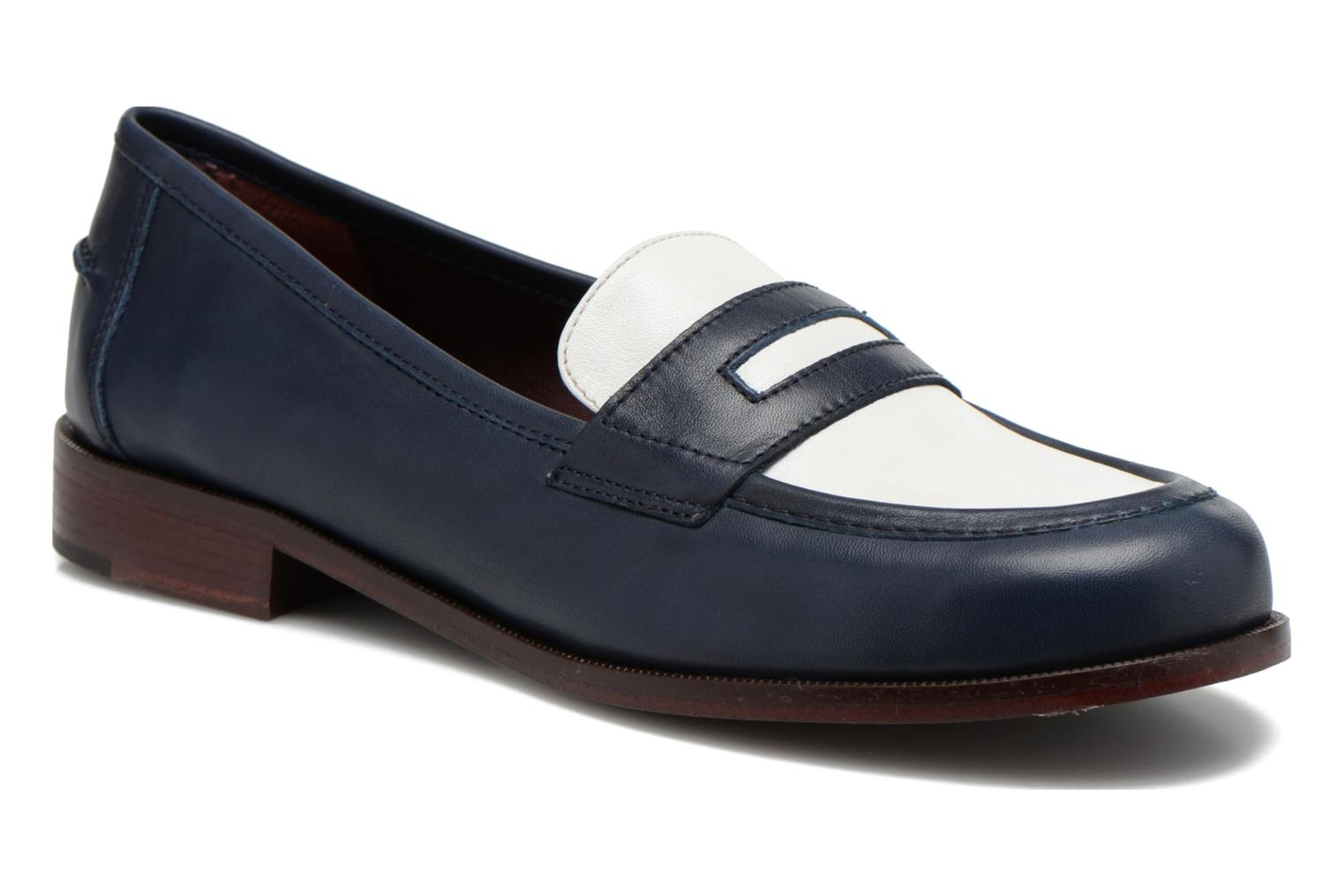 Loafers Avril Gau Farc Blue detailed view/ Pair view