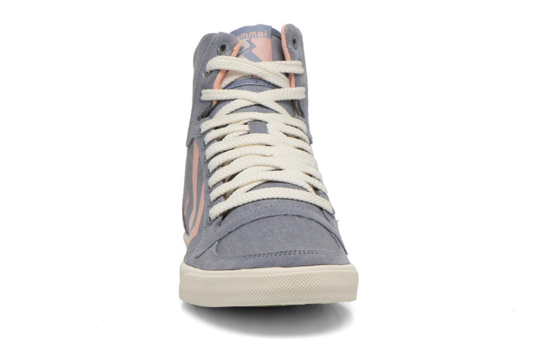Baskets Hummel Ten Star Smooth Hi Gris vue portées chaussures