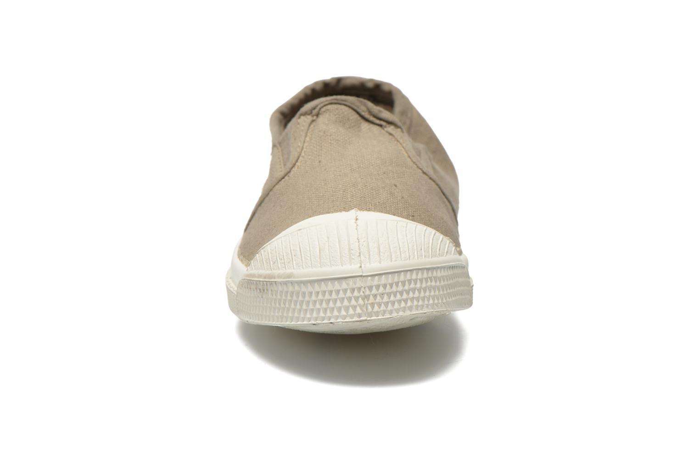 Sneakers Bensimon Tennis Tommy E Grigio modello indossato