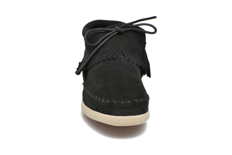 Bottines et boots Minnetonka Venice Noir vue portées chaussures
