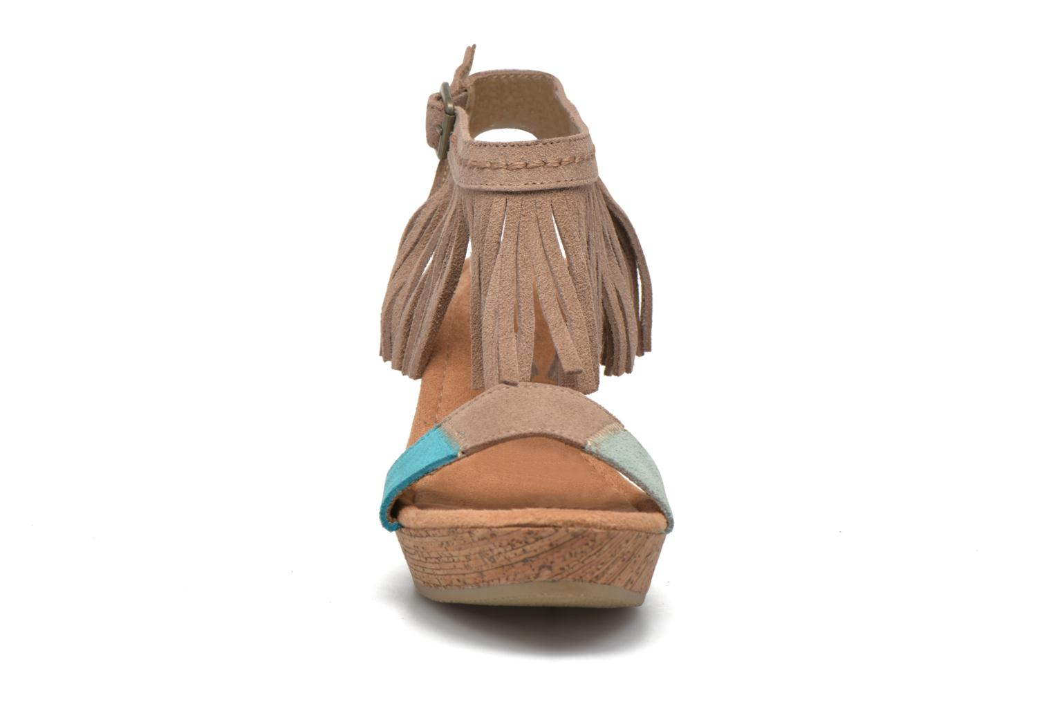 Sandals Minnetonka Poppy Beige model view