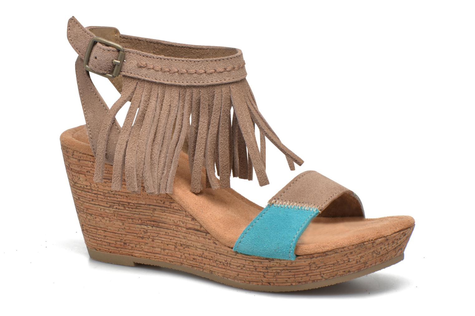 Sandals Minnetonka Poppy Beige detailed view/ Pair view