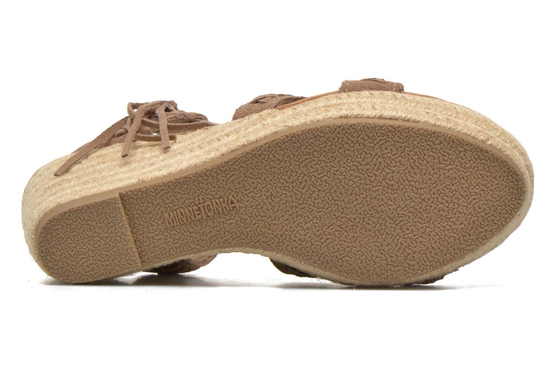Sandali e scarpe aperte Minnetonka Naomi Beige immagine dall'alto