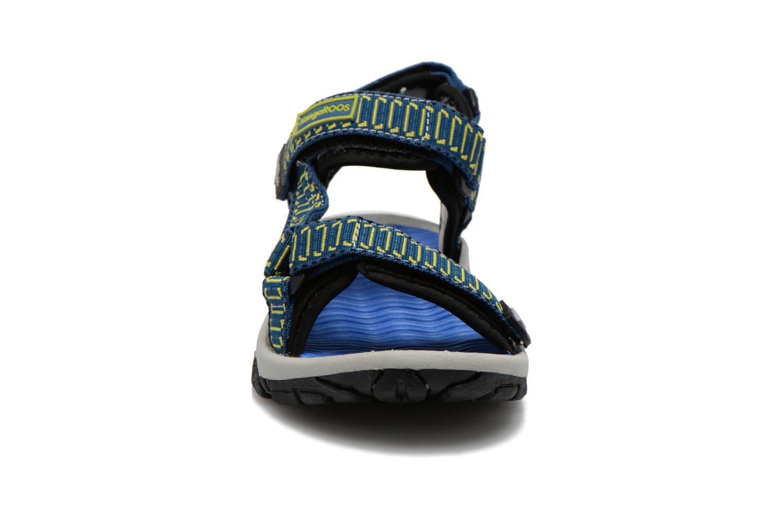 Sandali e scarpe aperte Kangaroos KS-22 Azzurro modello indossato